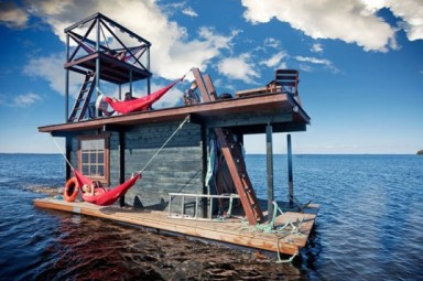 saunalautta-DIY-floating-sauna-made-in-Finland-4-537x357