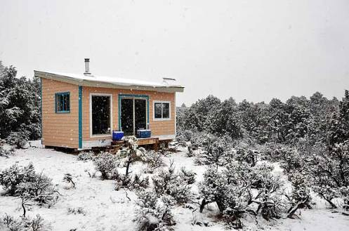 Kevins-cabin-exterior-in-winter-sm