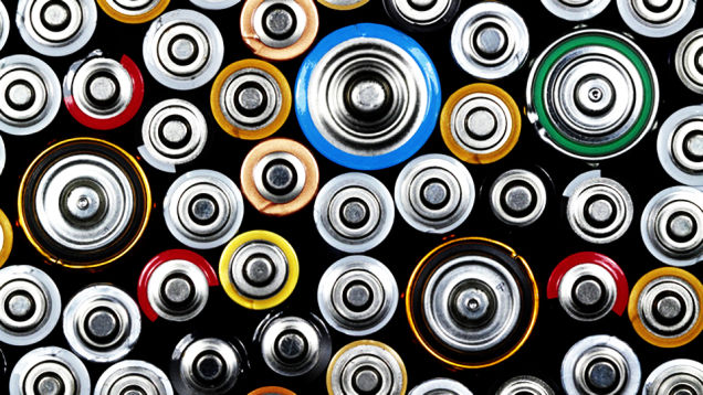 Iron-air batteries: a cheap and eco-friendly solution for energystorage