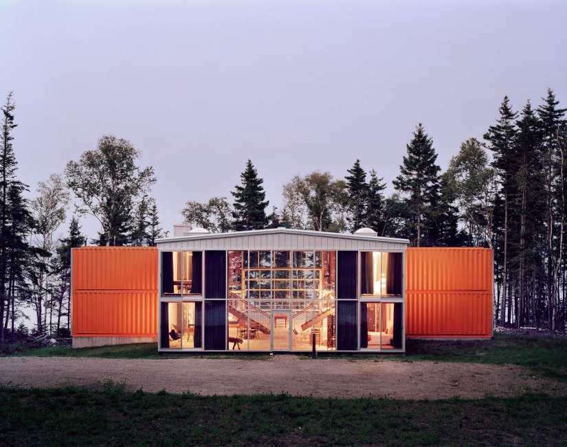MINIMALIST HOMES MADE FROM SHIPPING CONTAINERS