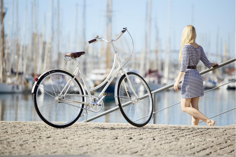 RIDE WITH STYLE WITH RETRO BICYCLES !