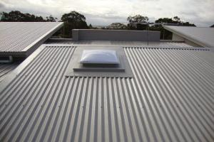 Metal-Roofing-with-Skylight-Fibreglass