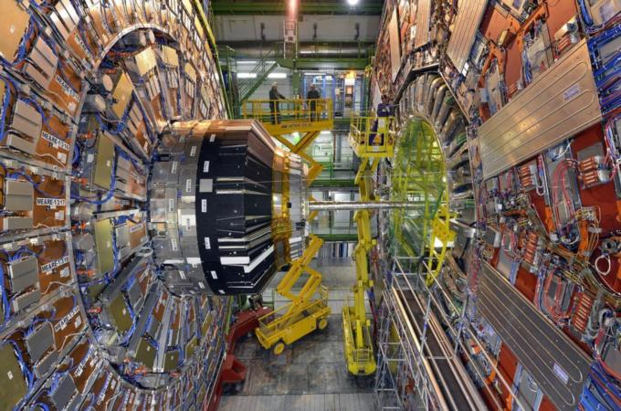 CHINA STRIDES INTO THE WORLD OF EXPERIMENTAL PHYSICS