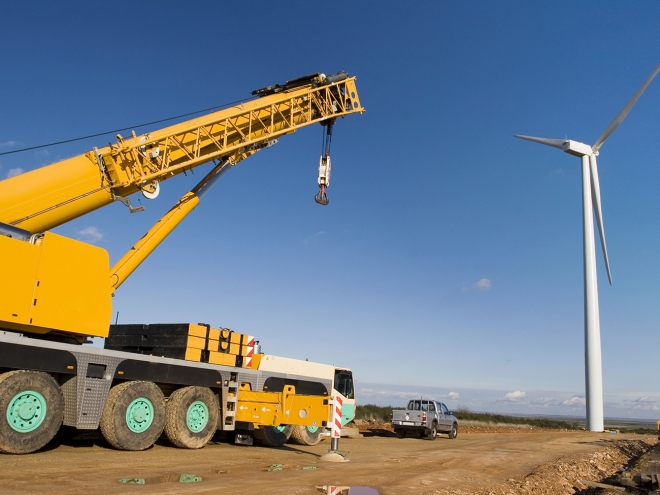 Heavy-Lifting-Made-Easy-with-Steel-Cranes_2
