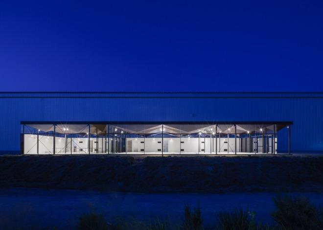 office-building-daiei-iron-works-nta-nicholas-tye-architects-commerical-architecture_dezeen_1568_0